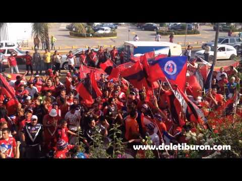 """""""Tiburones Rojos 1-2 Pachuca // Caravana desde el hotel de concentración"""" Barra: Guardia Roja • Club: Tiburones Rojos de Veracruz"""