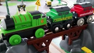 BRIO TRAIN - Building the Bridge