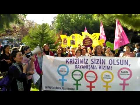 Kadınlar adalet için yürüdü