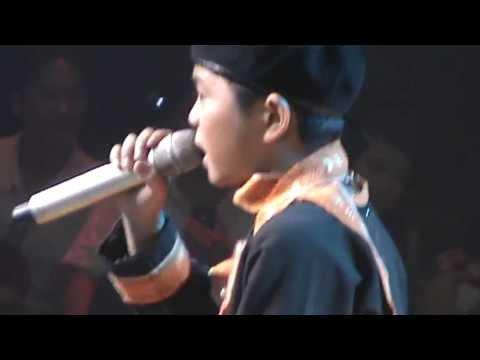 Quang Anh- Chiếc Khăn Piêu