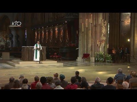 Le prêtre proche de ses brebis, avec le Pape François