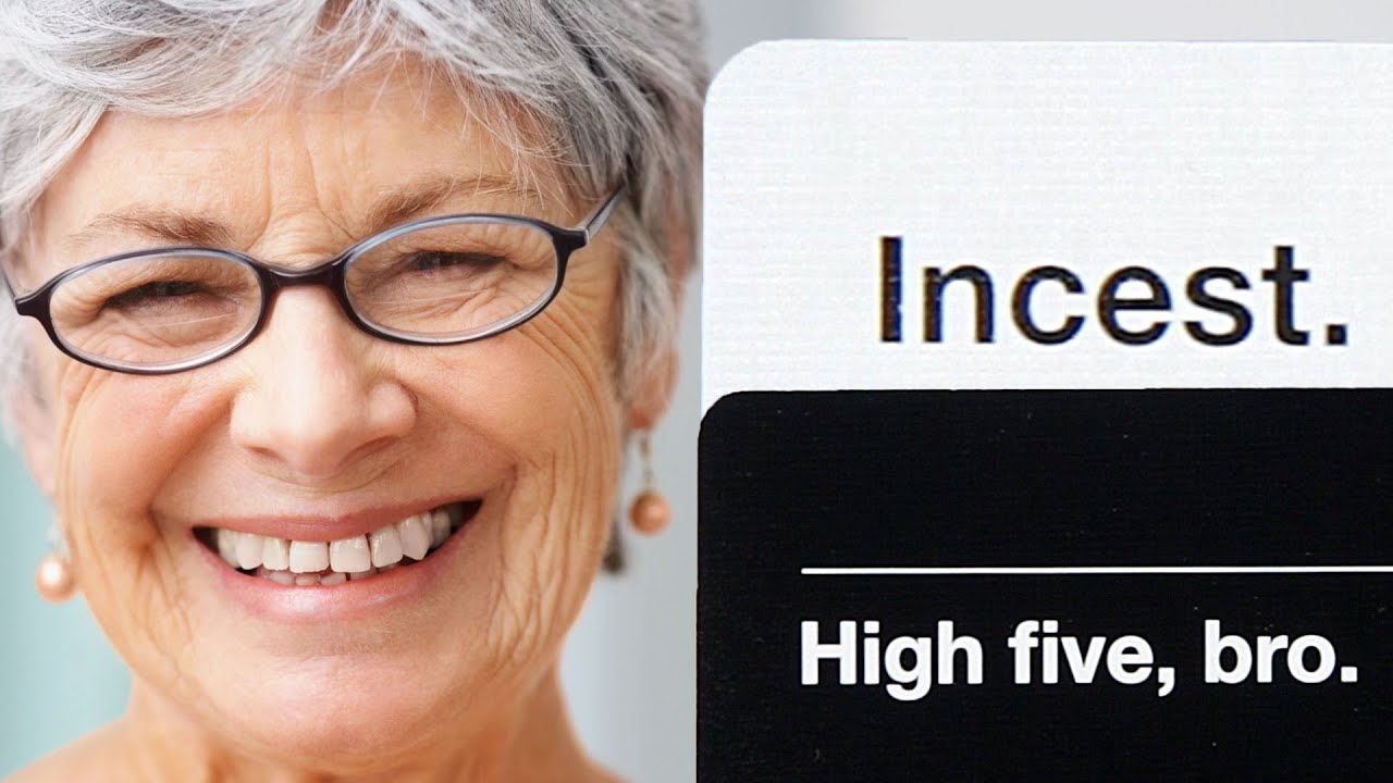 """12 Reasons """"Cards Against Humanity"""" Should Never Be Played With Family thumbnail"""