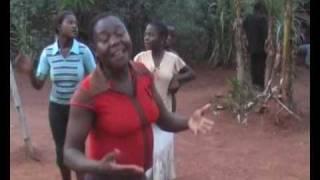 preview picture of video 'danse bulu à Mekomo (2007)'