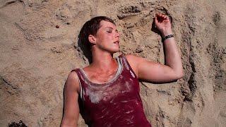 【穷电影】女子醒来发现在海滩上,感觉不对劲,转身就被身后的一幕吓到了