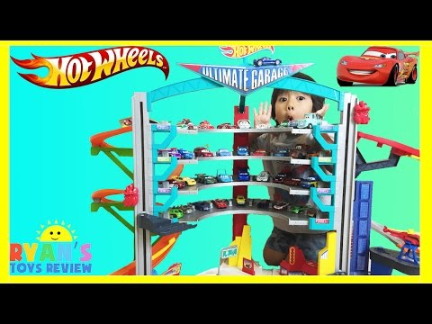 BIGGEST HOT WHEELS ULTIMATE GARAGE PLAYSET With Disney Cars Toys