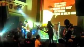 /rif LO TOE YE ft. Sarah Sechan & Gading Marten (live) at EX's Hard Rock Cafe