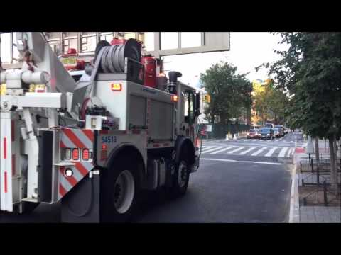 SUPER RARE CATCH OF A NY & NJ PORT AUTHORITY FIRE RESCUE TRUCK RESPONDING IN TRIBECA, MANHATTAN, NY.