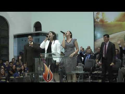 As Anas Paula e seu Pai de Amorinópolis Goiás cantando em Caçu Goiás dia 8/10/2017