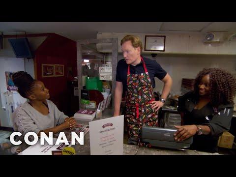 Conan pracuje v restauraci