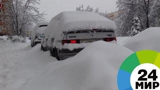 Снег парализовал движение на дорогах Казахстана - МИР 24