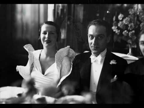 """Life in Poland 1930s: Janusz Popławski śpiewa """"Wesele"""" (Wedding Party), 1938"""