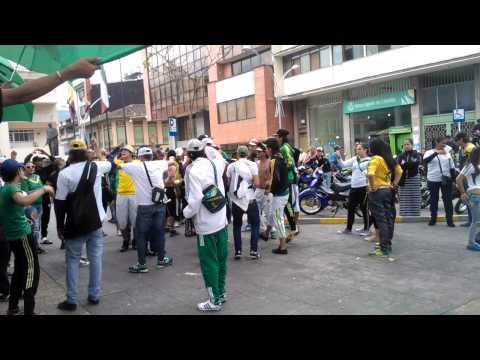 """""""JULI VIVE (SOMOS CALARCA) AGT LMC"""" Barra: Artillería Verde Sur • Club: Deportes Quindío"""