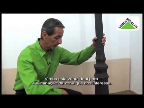 Instalar poste de iluminação exterior
