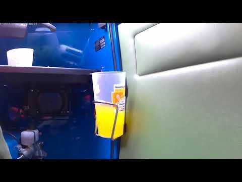Becherhalter im test mit Halbgefülten Ape50 Fahren