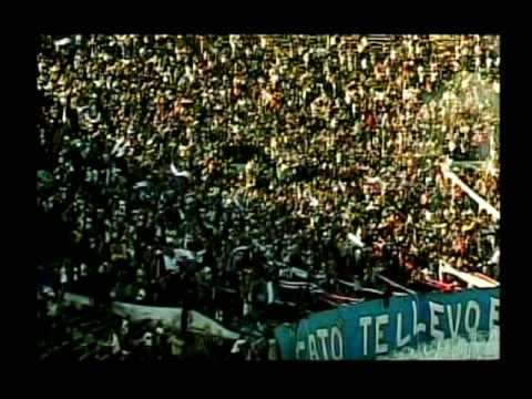 """""""Hinchas, Pasión sin Límites, El Gol Inolvidable - Gary Medel"""" Barra: Los Cruzados • Club: Universidad Católica"""