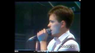 New Order - Sister Ray (live cover version of Velvet Underground original)