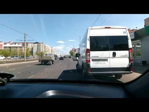 ПДД.  Учимся пропускать автобусов с автобусных остановок.