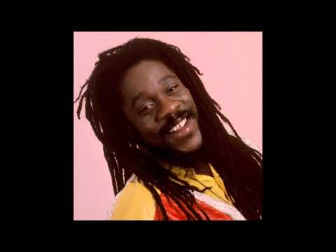 Dennis Brown – Rocking Time (Extended Version).(R.I.P. 1 February 1957 – 1 July 1999)