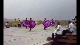 ウイグル人の踊り