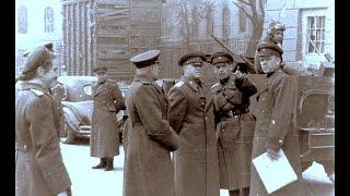 2 мая 1945, маршал Жуков прошелся по поверженному Берлину, столице рейха, Германии