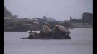 preview picture of video 'Beira shipwrecks'