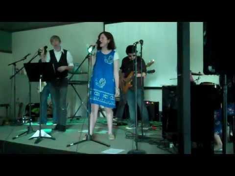 Kyle Singing Sunday Bloody Sunday