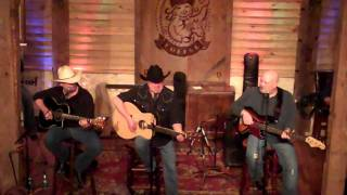 Mark Chesnutt You Can't Find Many Kissers Anymore.MP4