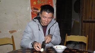欢子用古老方法做咸蛋,原材料居然是泥巴,你那有立夏吃蛋习俗吗 【欢子TV】