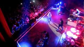 Alanis Morissette - You Oughta Know (Live)
