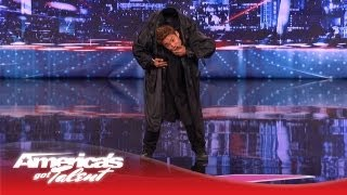 Kenichi Ebina Performs an Epic Matrix- Style Martial Arts Dance - America
