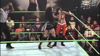 Raquel Diaz vs Audrey Marie (FCW Divas Championship match)