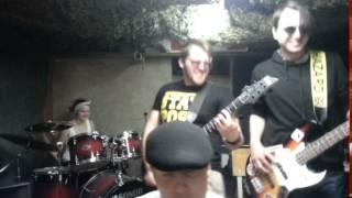 Video Rusted Nails - I'm happi