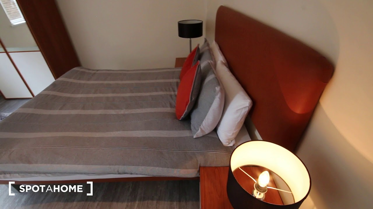 Chic 2-bedroom apartment to rent in Kensington and Chelsea, Travelcard Zone 1