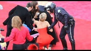 Jennifer Lawrence Trips At Oscars 2014 + Funniest Moments! (MASHUP)
