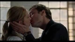 Closer 2005 kiss scene