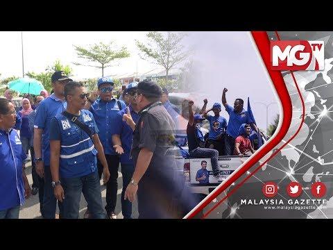 TERKINI : PANAS! KECOH! Polis Tenangkan Penyokong BN di Luar Pusat Mengundi