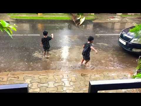 Kids Playing in Rain | Kids jumping in muddy puddles | Jallanta kavinta song | Childhood memories