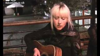 EVI VINE - I LET YOU LEAVE (BalconyTV)