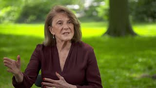 "Linda Lavin on her character ""Alice"" as a model mom"