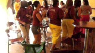 preview picture of video 'Vero a la fuente de la Plaza'