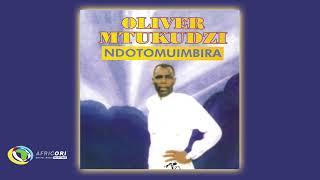 Oliver 'Tuku' Mtukudzi - Hakuna Zita (Official Audio)