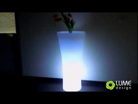 Arredi luminosi: montaggio illuminazione LED. Illuminazione integrata.