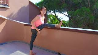 Растяжка задней поверхности ноги. Растяжка после тренировки. Растяжка после тренажерного зала