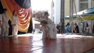 preview picture of video '2013.04.28. - Judo Bemutató - XV. Sajt és Túró Fesztivál - Gyomaendrőd'