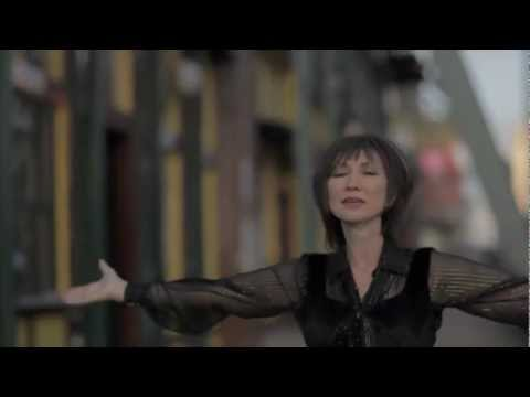 Two Kings - Pam Tillis & Kris Thomas (MLK & Elvis Tribute)