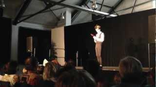 preview picture of video 'Gabor Vosteen: Tuuutifluti (2) - tête-a-tête - Straßenfestival in Rastatt 2012'
