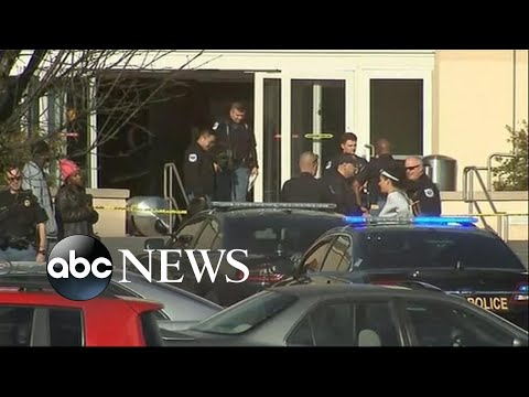 Shooting at Atlanta mall sends holiday shoppers fleeing for cover | ABC News