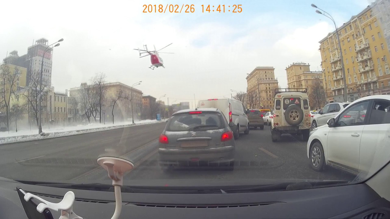 Посадка вертолета на Ленинградском шоссе
