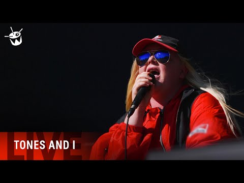 TONES AND I - 'Dance Monkey' LIVE (Splendour In The Grass 2019)