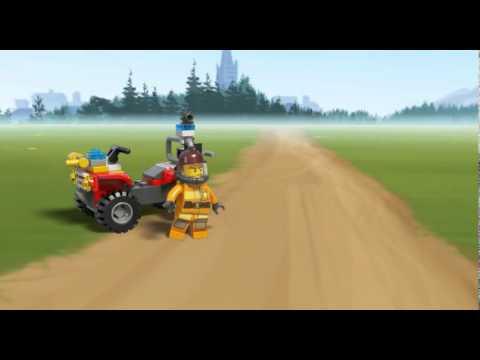 Vidéo LEGO City 4427 : Le 4x4 des pompiers en foret